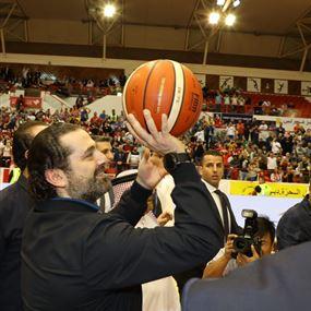 بالفيديو: الحريري يفاجئ الحضور في نهائيات بطولة دبي