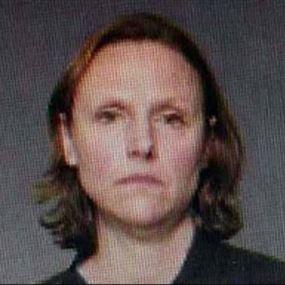 أخفت جثث أطفالها الستة الرضع في خزانة
