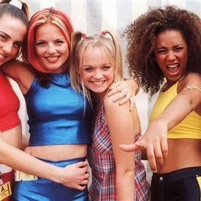 بعد غياب طويل.. Spice Girls تجتمع مجدداً