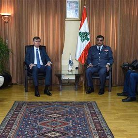 السفير البريطاني يشكر عثمان على سرعة توقيف قاتل الديبلوماسية