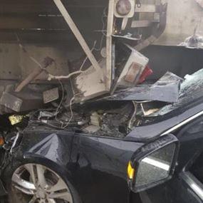 بالفيديو: اصطدمت سيارته بصهريج فقتل