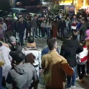 قطع طرقات في بيروت والشمال ودعوات للإضراب غدا
