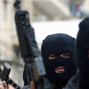 مسلحون يسلبون مواطنة سيارتها وهاتفها