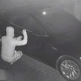 سرقة سيارتين في شمسطار