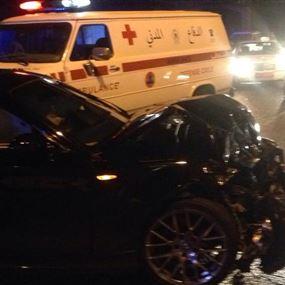 بالصور: جرحى جراء حادث سير في نهر ابراهيم
