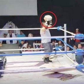 بالفيديو.. مصارع يضرب غريمه بكتله اسمنتية على رأسه