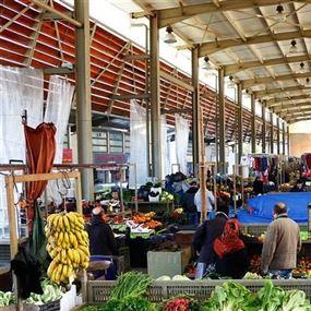 توقيف 10 عمال مصريين في سوق الخضار