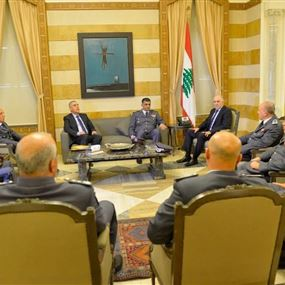 وزير الداخلية يلتقي اللواء عثمان وقادة الوحدات