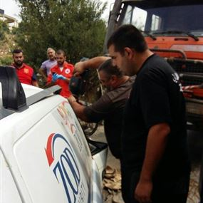 بالصور: في جبيل.. قضى بسيارة الشركة التي يعمل فيها