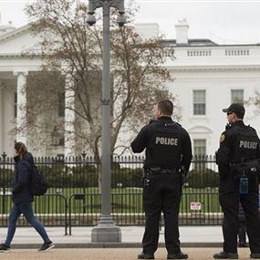 إحتجاز مشتبه فيه قرب البيت الأبيض!