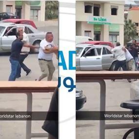 بالفيديو: سائق النائب يطلق النار باتجاه أحد المعتدين عليه