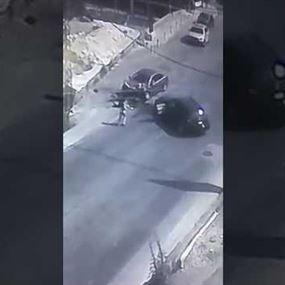 بالفيديو: على طريق نهر ابراهيم.. مفاجأة بعد حادث السير