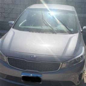 قوى الأمن تلقي القبض على سارق وتضبط سيارة مسروقة