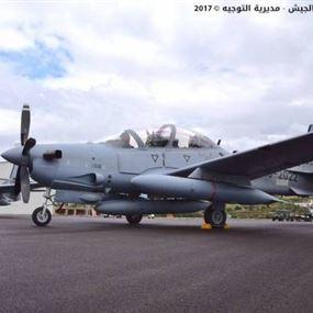 بالصور: الجيش اللبناني تسلم طائرتين من نوع A29 سوبر توكانو