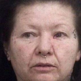 حبست أختها الصماء سبع سنوات في غرفة