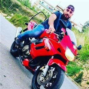 أحمد لقي حتفه إثر انقلاب دراجته