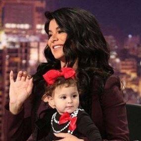 بالفيديو: ريما فقيه تستعرض حملها وتتحدث عن ابنتها..