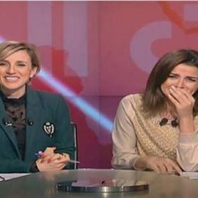 بالفيديو: موقف محرج للإعلاميّتين في أستديو الأخبار