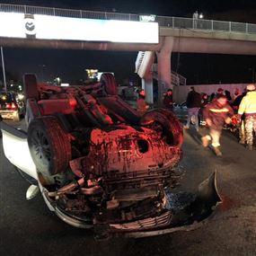 بالصور: انقلبت سيارتها على الأوتوستراد في ضبيه