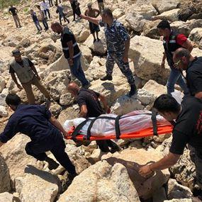 بالصور: انتشال جثة الرجل المفقود من شاطئ جبيل