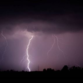 برق ورعد وأمطار وعواصف رعدية... هكذا سيكون طقس الثلاثاء