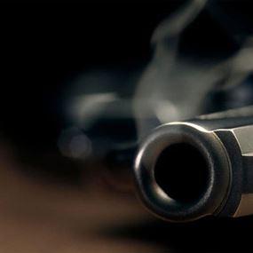 اطلق النار على شقيقته القاصر لأنها تنشر صوراً غير لائقة لها!