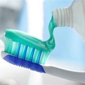 معجون أسنان يتسبب بمرض عصبي خطير!