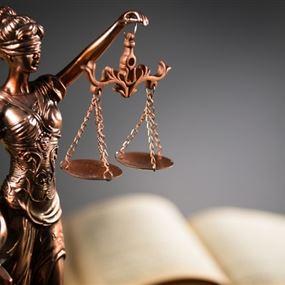 القاضية عون تتدّعي على 21 شخصاً في قضية الفيول المغشوش