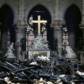 رجل دين متشدد يصدم العالم بتصريح عن سبب حريق نوتردام