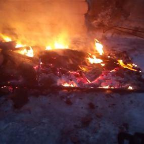 حريق على سطح مبنى سكني في برج حمود