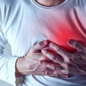 تعرض لازمة قلبية داخل بنك بعد رفض اعطاءه المبلغ الذي طلبه