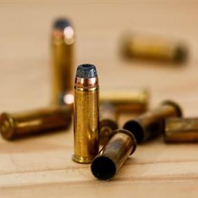 إصابة شخصين بإطلاق نار على فان في الهرمل
