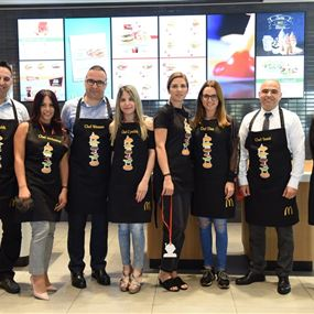 ماكدونالدز لبنان يفتح أبواب مطابخه أمام الزبائن والصحافة