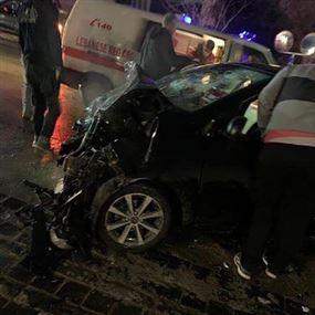 بالصور: مصرع رتيب في الجيش وزوجته اثر حادث سير مروع
