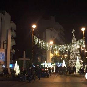 إضاءة شجرة ومغارة الميلاد في الأشرفية