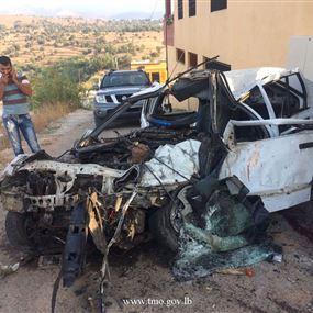 بالصور: قتيلان وجريح نتيجة حادث سير مروع