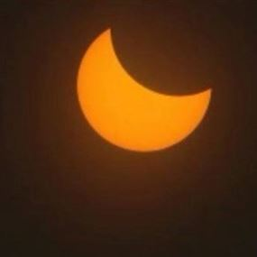 كسوف تاريخي للشمس ادخل الولايات المتحدة في ظلام دامس