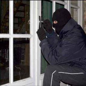حاولوا الدخول من الباب الخلفي بهدف السرقة فكانت المفاجأة